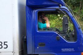 Trucker warmt oor op met GSM