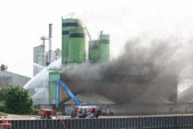 Miljoenenschade na brand bij betonfabriek