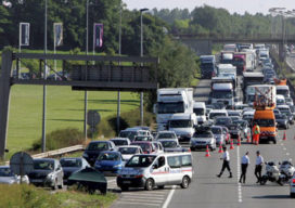 Dieseloorlog: truckers blokkeren vakantie-uittocht