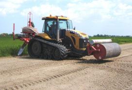 Challenger MT 765 ingezet bij drainagewerkzaamheden
