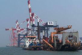 Boskalis baggert Port Rashid