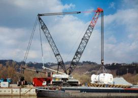 Liebherr LG 1750 met 380 ton aan de haak