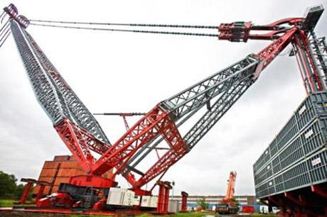 S werelds grootste hijskraan komt uit nederland bouwmachines - Vormgeving van de badkamer kraan ...