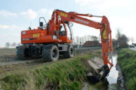 Doosan DX 140 W voor Loonbedrijf Hopmans