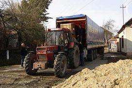 Oneerlijke concurrentie onveilige truckende tractoren