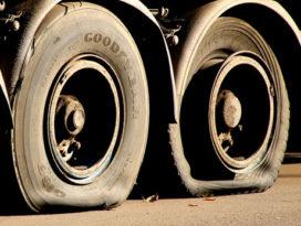 130 banden lek gestoken bij aannemersbedrijf in Oss