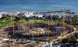 Liebherr torenkranen bij ombouw voetbalstadion Kaapstad