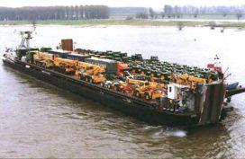 Trailertransport bouwmaterieel over binnenwateren