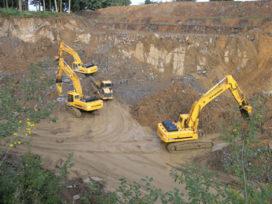 Prachtig bouwmaterieel werkt in Belgische groeves