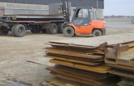 Dieven stelen rijplaten van diverse bouwterreinen
