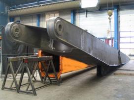Zwaags bedrijf bouwt hoogste sloopkraan ter wereld