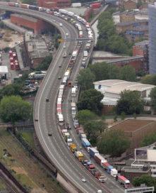 Britse truckers verstoren Londense spits