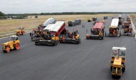 Tonnen nieuw asfalt voor vliegbasis