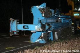 Vrachtwagen verliest verreiker onderweg