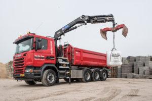Drie Scania multi-assers voor Van der Donk