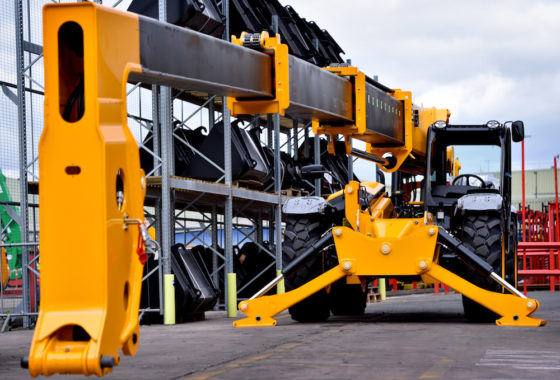 Vanaf het begin worden de JCBverreikersgeproduceerd in de fabriek bij het hoofdkantoor van JCB inRocester,Staffordshire.Deverreikersondergaan intensieve werkingstesten. Het gaat onder andere om een opwarm-, stuur- en gewichtstest, waarbij de machin