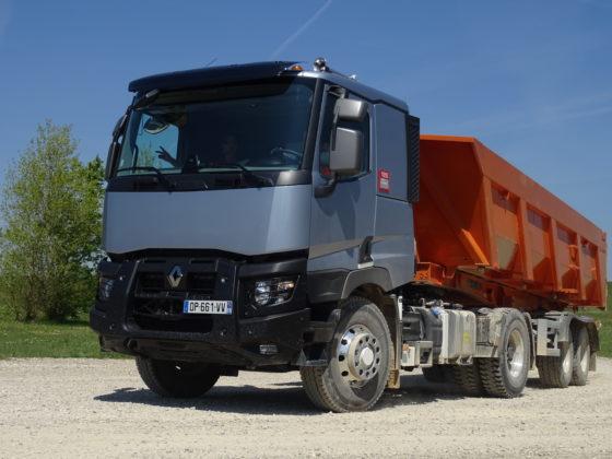 Renault Trucks 4x2 met hydraulisch aangedrevenOptitrackvooras