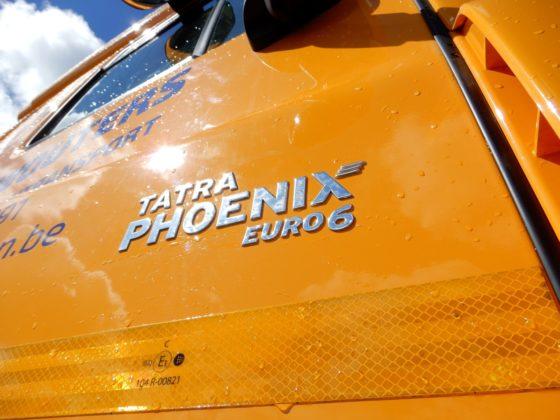 De cabine van de Tatra Phoenix is identiek aan die van een DafCF.