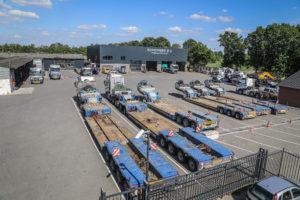 Transportbedrijf Schoones in het Brabantse Vinkel richt zich op speciaal transport en transport van zand en grind. Er lopen 33 trucks, waarvan 30 Volvo's en drie Daf's.
