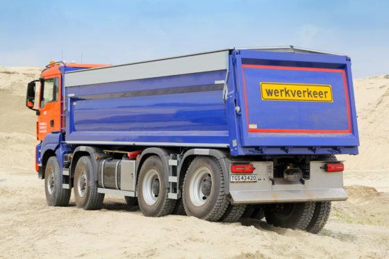 Prima stabiliteit- en waterpasregeling dankzij hydraulische vering van WVTvoor de MAN.