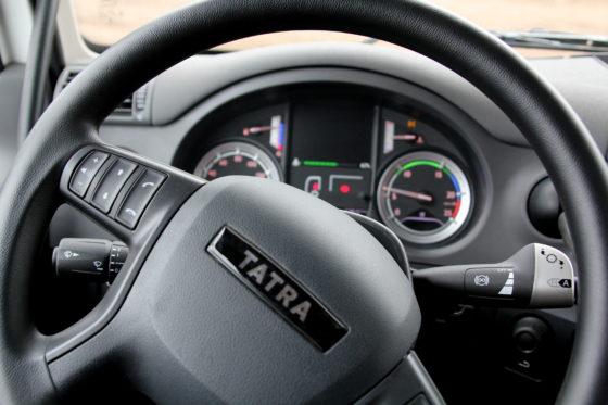 Het bekendeDAF-interieurmet een Tatra-badge.