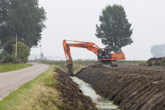 De BouwMachines Machinist van de Maand september is Pieter Visser. Hij draait op een Doosan 255 bij Van der Wal Grondverzet in het Friese Noardburgum