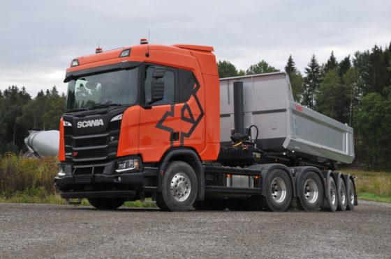 Eén van de door ons gereden trucks is deze R500 XT 6x4-trekker.