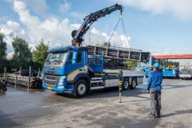 Volvo FM bakwagens met Hiab kraan voor Koelewijn