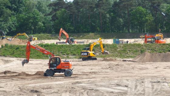 Veel bedrijvigheid op het 27 hectare grote SOMA-terrein in Harderwijk.