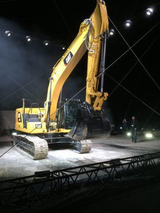 Caterpillar heeft maandagavond in het Spaanse Malaga op spectaculaire wijze een nieuwe generatie graafmachines gelanceerd.