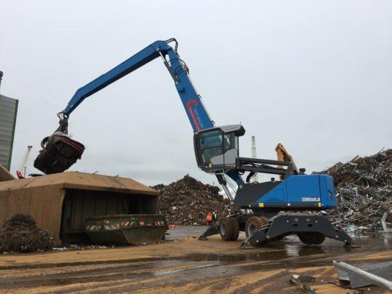 Van der Spek Vianen leverde een nieuwe Fuchs MHL350F aan Van Dalen Metal Recycling & Trading in Moerdijk. Hij vervangt een MHL350D, en is de eerste van twee nieuwe machines die Van Dalen bestelde bij Van der Spek.