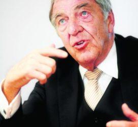 Dik Wessels (71) overleden