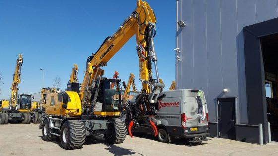 Ook op kleinere tot middelgrote machines is de automatische snelwissel steeds vaker te vinden. Alle leveranciers kunnen hierin voorzien. Voor de grote machines zijn het OilQuick en Lehnhoff die geschikte systemen hebben.