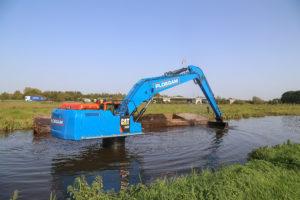 Ploegam verdiept rivier met unieke Cat 340-F LRE