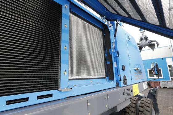 Een aparte oliekoeler met groot koeloppervlak zorgt voor optimale koeling.