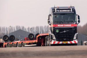 15 Volvo FH-trekkers voor Mammoet Road Cargo